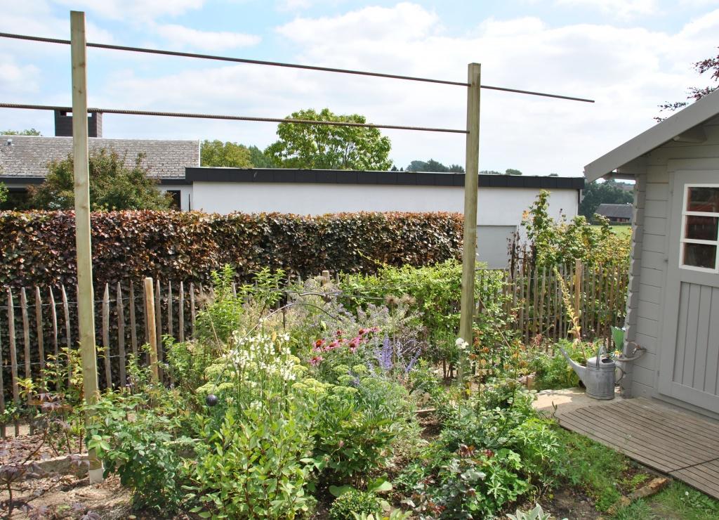 structures pour rosiers grimpants les chroniques de mon jardin. Black Bedroom Furniture Sets. Home Design Ideas