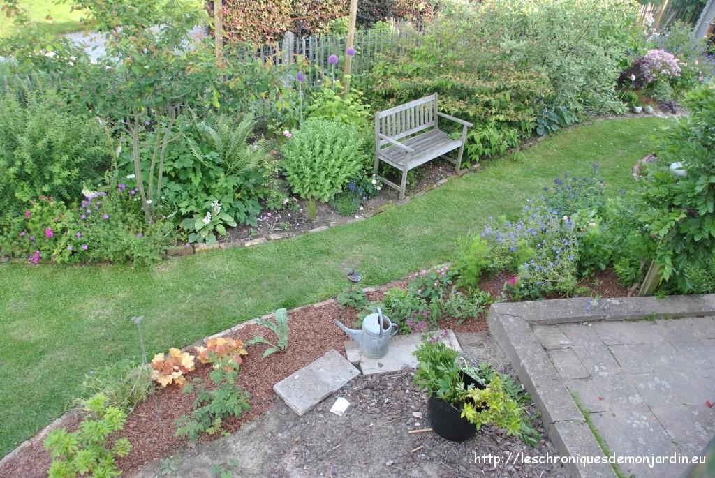 l haut sur mon chelle les chroniques de mon jardin. Black Bedroom Furniture Sets. Home Design Ideas
