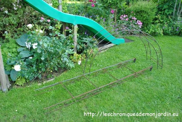 support pour rosiers grimpants arche arceau de jardin arche de jardin gloriette perg planter. Black Bedroom Furniture Sets. Home Design Ideas